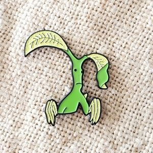 {5/$25} Fantastic Beasts Bowtruckle pin